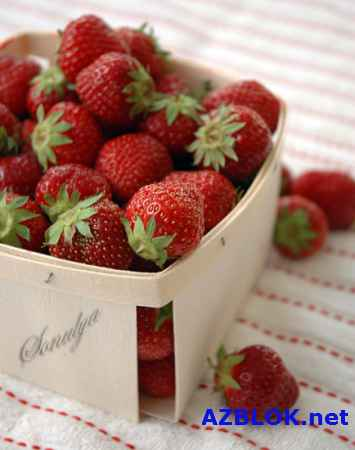 1255254573_strawberry_basket-vi (355x450, 15Kb)