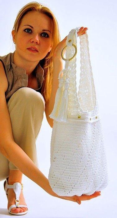 белая сумочка крючком (377x700, 55Kb)