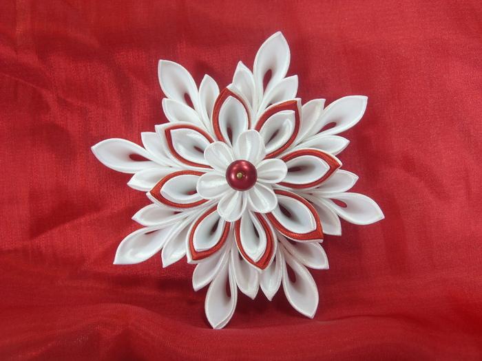 Цветы канзаши из атласных лент 5 см своими руками