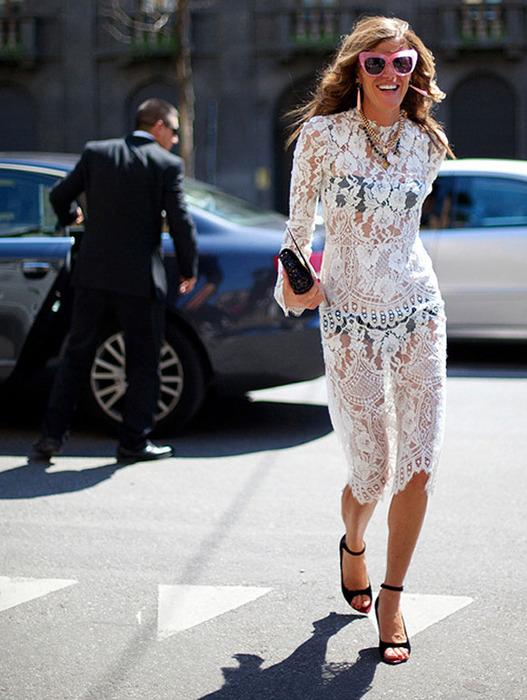 Приобрести кружевное платье этим летом хотела каждая вторая модница.