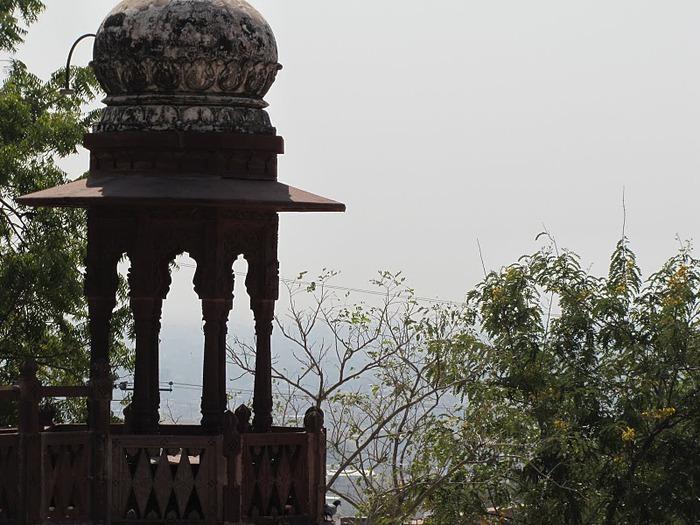 Джасвантх-Тхада 82200