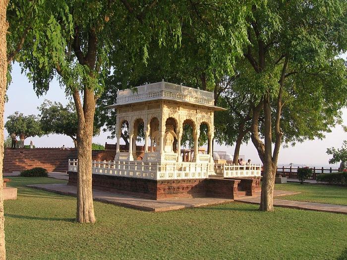 Джасвантх-Тхада 17916