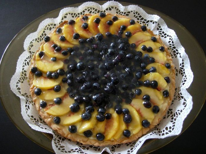торт без выпечки/4453387_1800450438_11641b1487_Blueberrypeach_cake_O (700x525, 74Kb)