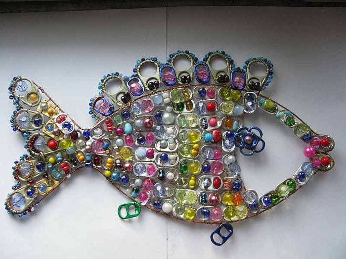 Crafts Made with Can Tabs http://make-handmade.com/2011/07/16/recycle-soda-tabs-crochet-ideas/