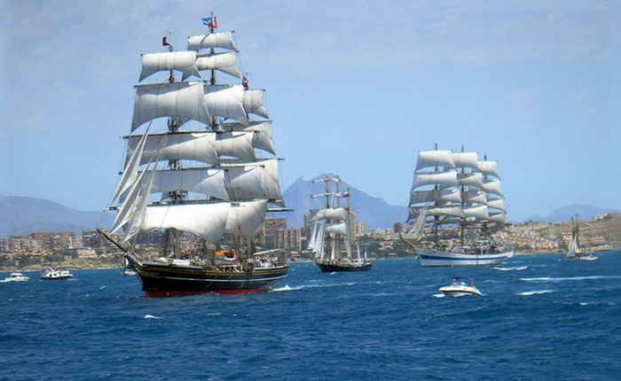 корабли и лодки мира