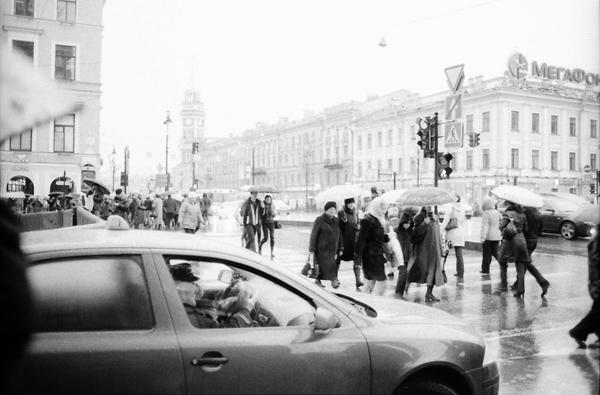 выход из метро на канал Грибоедова