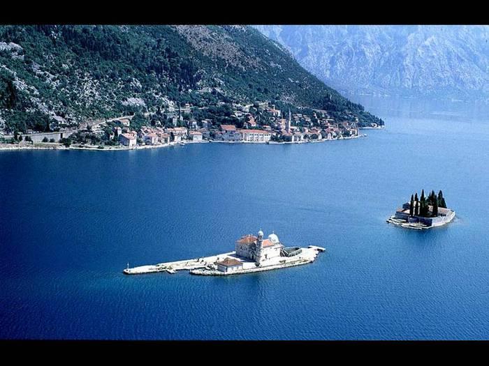 8-gospa-od-skrpjela-Montenegro-Serbia (700x525, 63Kb)