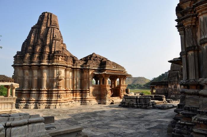 Храм Нагда - Nagda Sahasra Bahu temple 19937