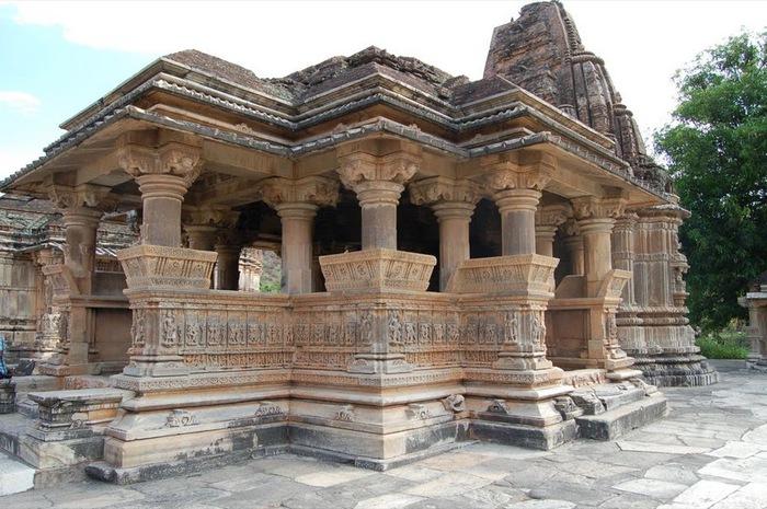 Храм Нагда - Nagda Sahasra Bahu temple 26190