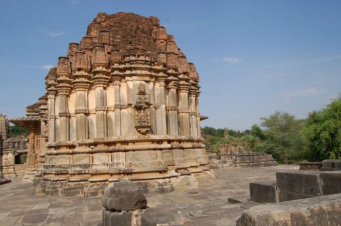 Храм Нагда - Nagda Sahasra Bahu temple 13481
