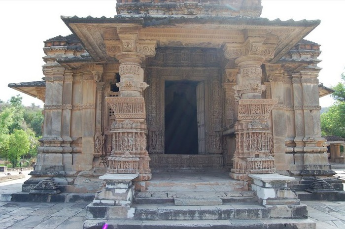 Храм Нагда - Nagda Sahasra Bahu temple 45690
