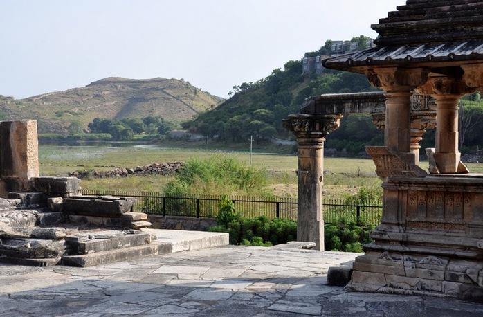 Храм Нагда - Nagda Sahasra Bahu temple 96656