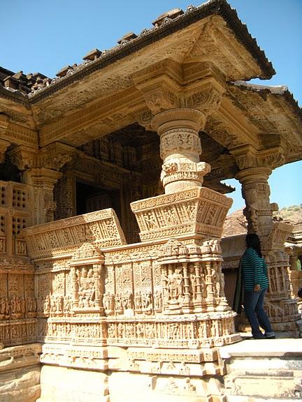 Храм Нагда - Nagda Sahasra Bahu temple 67060