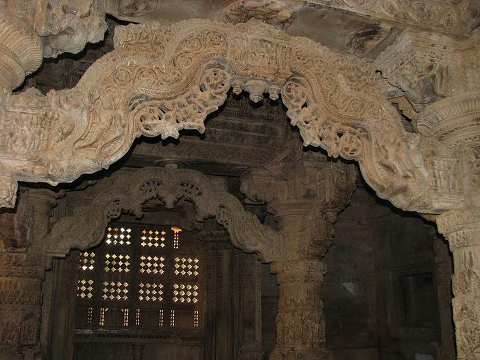 Храм Нагда - Nagda Sahasra Bahu temple 79056