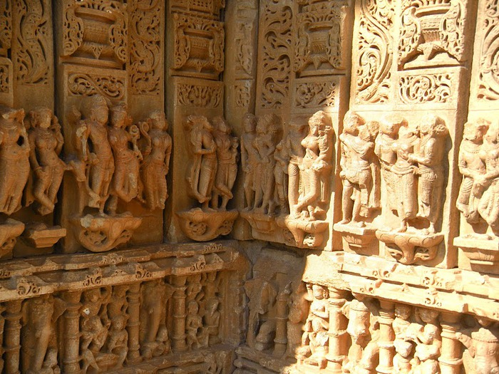 Храм Нагда - Nagda Sahasra Bahu temple 12083