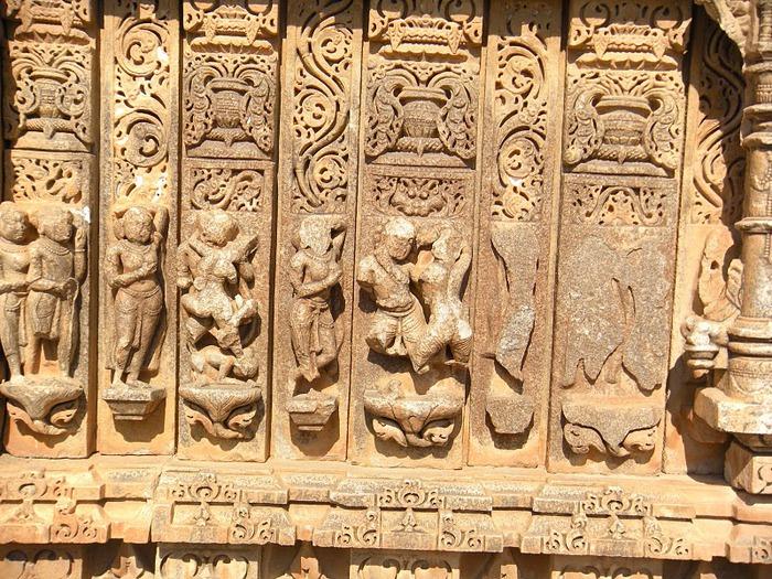 Храм Нагда - Nagda Sahasra Bahu temple 23861