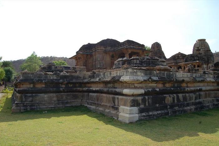 Храм Нагда - Nagda Sahasra Bahu temple 58117