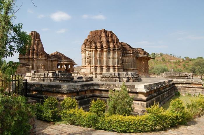 Храм Нагда - Nagda Sahasra Bahu temple 12425