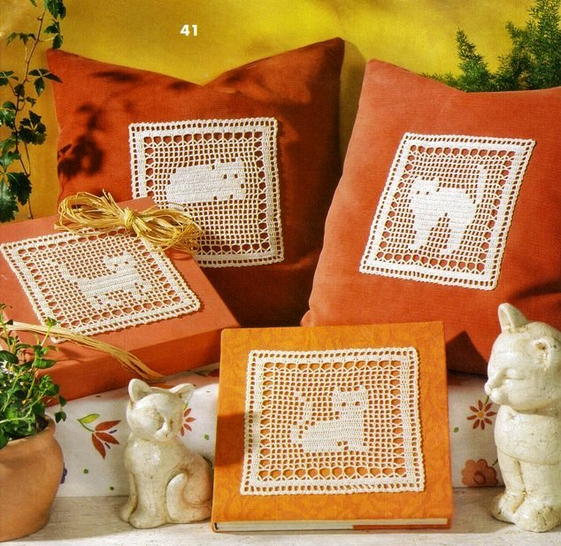 craft home decor: crochet cats