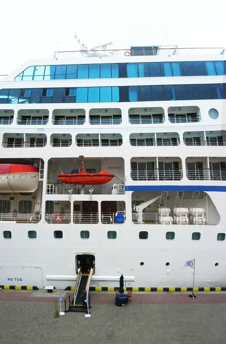 Лайнер NNautica в Одесса и другие корабли
