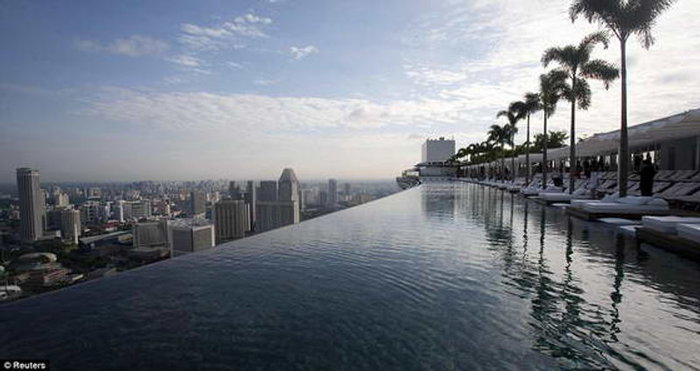 Marina-Bay-Sands2 (700x371, 50Kb)