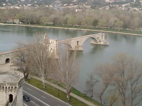 sites-historiques-avignon-france-1300403294-1203199 (550x412, 154Kb)