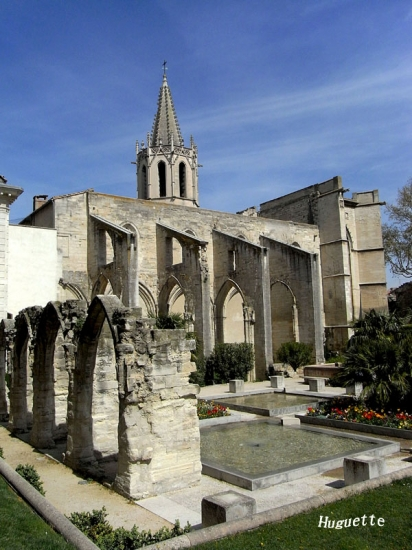 eglises-avignon-france-1564833058-1459554 (412x550, 200Kb)