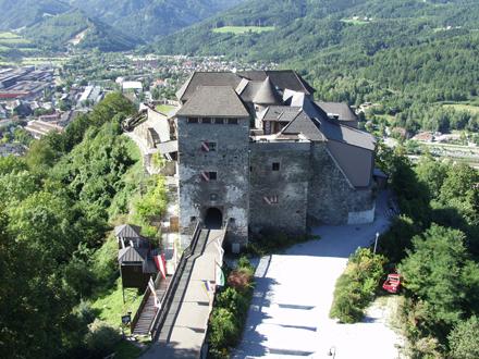 Замок Оберкапфенберг - Burg Oberkapfenberg 54793