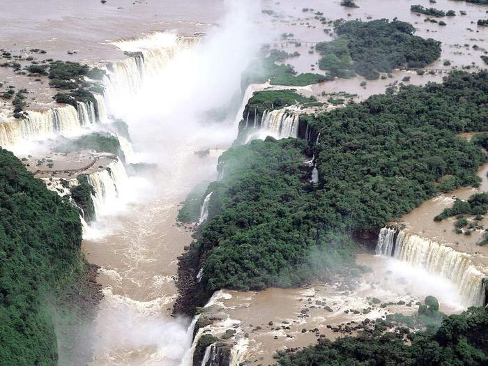 World_Brazil_Iguassu_falls_007521_ (700x525, 82Kb)