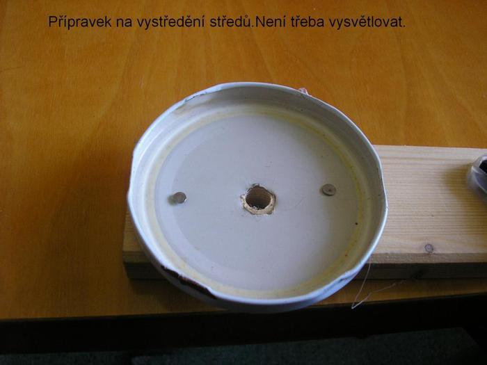 Декоративные кашпо-коляски из газетных трубочек (7)