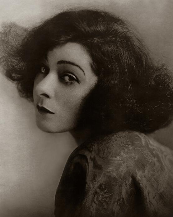 Alla Nazimova, 1922 (556x700, 140Kb)