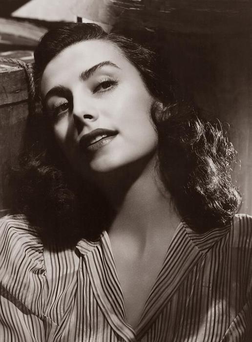 Tamara Toumanova, 1944 (516x700, 48Kb)