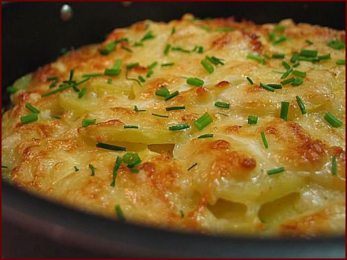 Картофель, запеченный под сыром - просто и очень вкусно!  Ингредиенты.