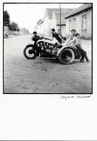 Dagmar Hochova z cyklu DETI - из цикла Дети (1964)/3236492_DagmarHochova001WEB (415x600, 40Kb)