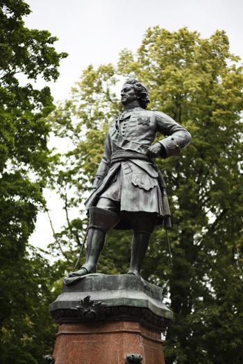 памятник Пётру I в кронштадте