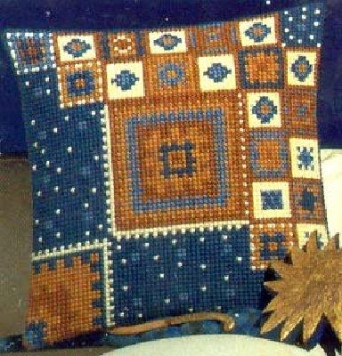 Подушки - подборка схем по вышивке крестиком.