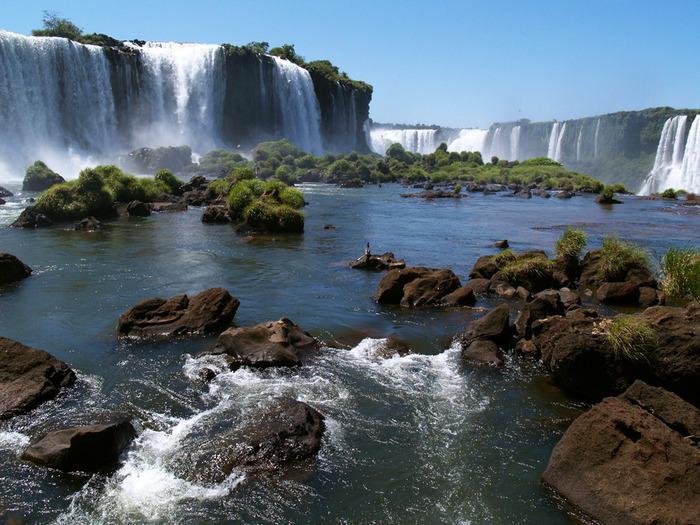 the-most-beautiful-falls-iguazu-falls (700x525, 170Kb)