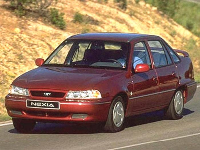 Daewoo_Nexia_Sedan_1996 (700x525, 90Kb)