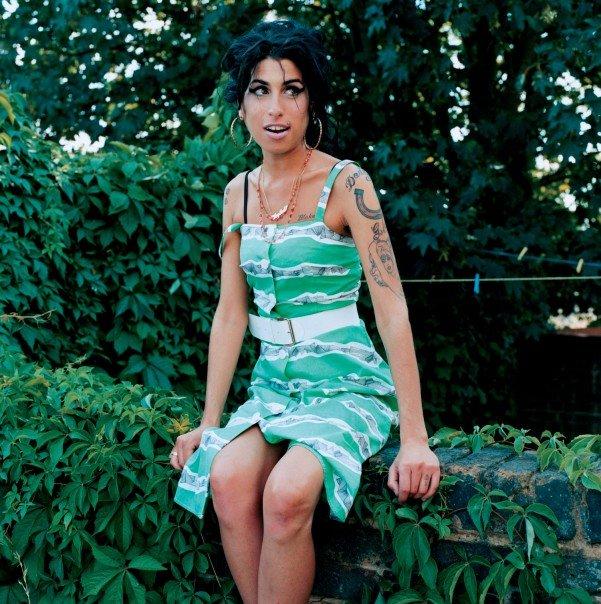 Умерла британская певица Эми Уайнхаус (Amy Winehouse)/2822077_amy_winehouse041 (601x604, 111Kb)