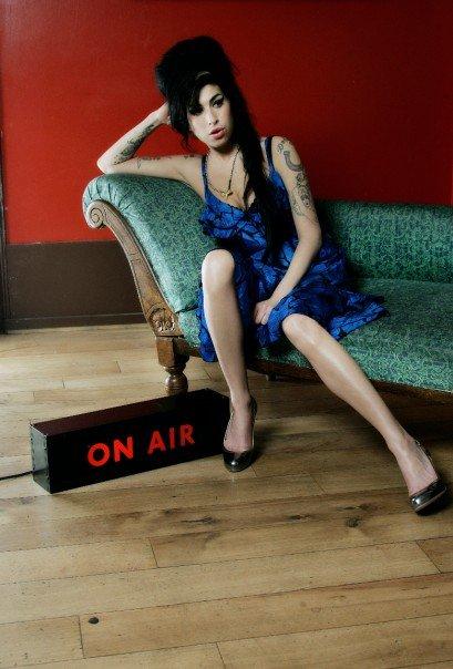 Умерла британская певица Эми Уайнхаус (Amy Winehouse)/2822077_amy_winehouse061 (409x604, 52Kb)
