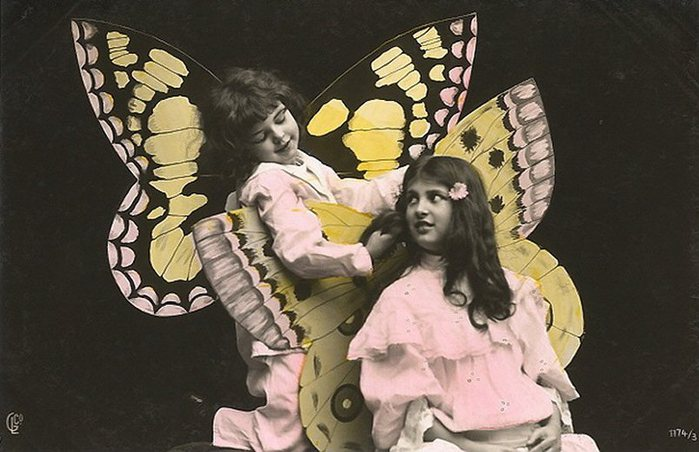 Fairy-Girls-two-cute-kids-dress-as-fairies-Vintage-Picture-Postcard (700x452, 68Kb)