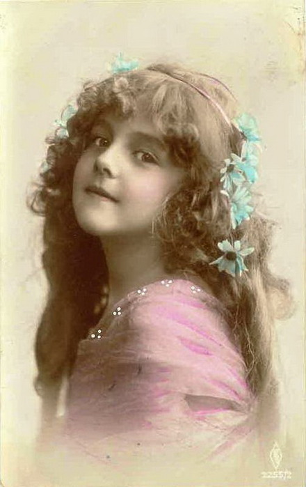 Pretty-little-Victorian-girls-Picture-Postcards (440x700, 64Kb)
