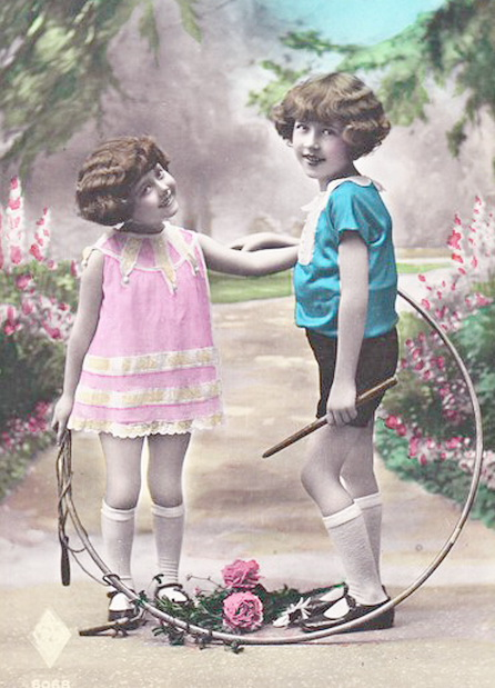 Two-little-girls-in-shorts-with-spinning-hoop-Vintage-Tinted-Pictures (446x619, 112Kb)