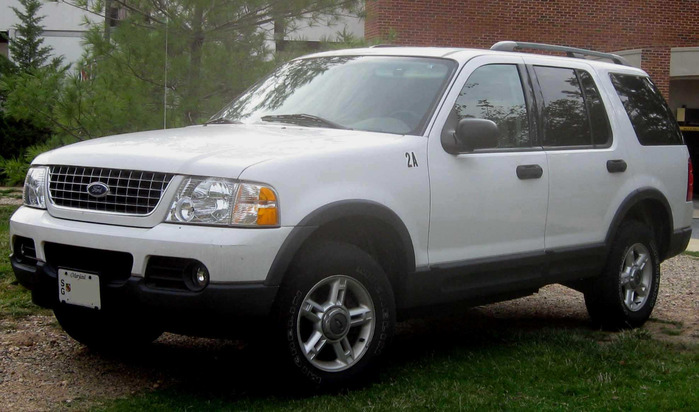 Ford_Explorer_XLT (700x412, 100Kb)