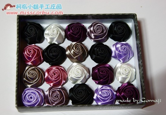 Красивые розы из атласной