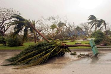 Тайфун1 (374x250, 32Kb)
