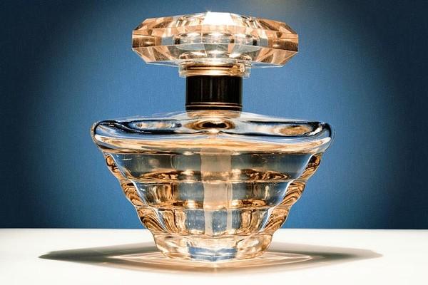 3688700_66220246_perfume_3 (600x400, 64Kb)