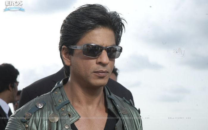 11049-hot-and-handsome-shahrukh-khan (700x437, 32Kb)