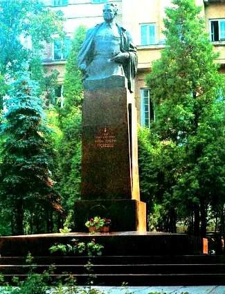 Николай Кузнецов (325x425, 38Kb)