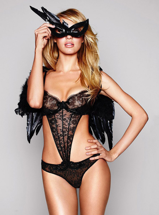 candice-swanepoel-costume-july